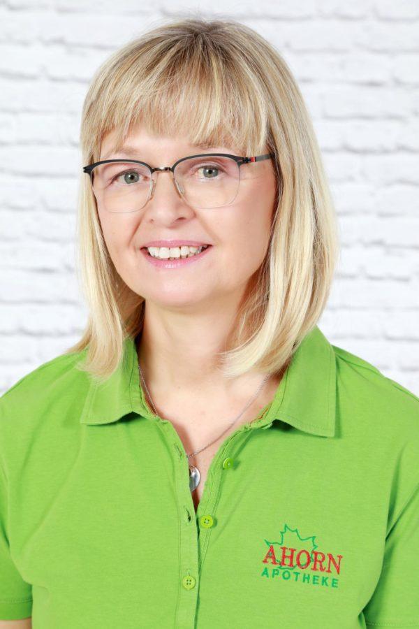 MICHAELA DINGLER